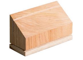 Dřevěný hranol s ocelovým ostřím ( 135 mm )